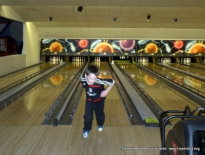Childrens heart association bowling 081