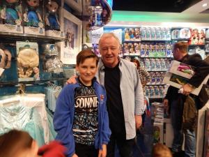 Disney-Shop-12