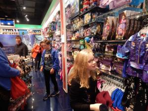 Disney-Shop-4